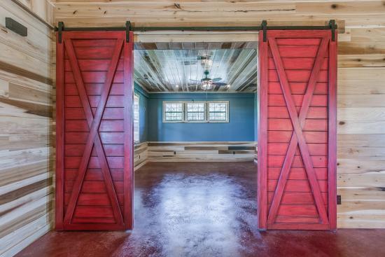 Santa_Fe_barn_Home